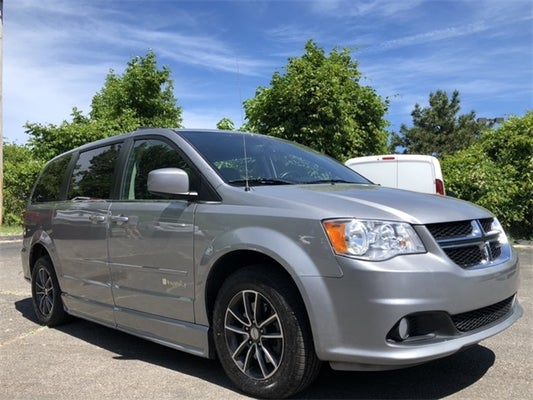 Used 2017 Dodge Grand Caravan Sxt Willoughby Oh Cleveland Bedford Aurora Ohio 2c4rdgcg6hr600228